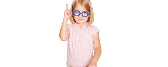 Skal dit barn have briller? Kig efter disse tegn