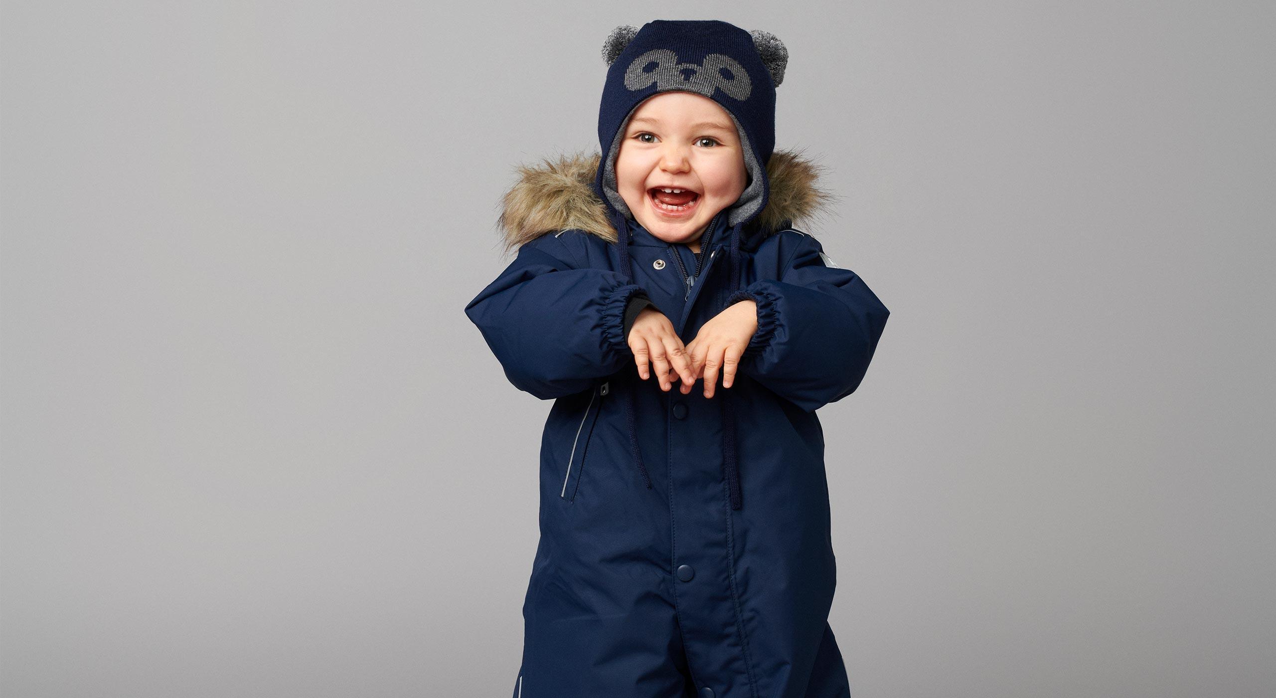 Prisvindende Gotland flyverdragt fra Reima holder din baby varm og tør